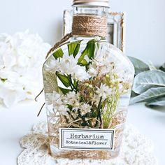 Flower Crafts, Flower Art, Homemade Essential Oils, Homemade Scrub, Botanical Flowers, Bath Salts, Aromatherapy, Floral Arrangements, Perfume