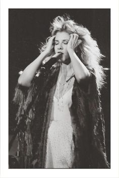 Stevie Nicks Witch, Stevie Nicks Quotes, Stevie Nicks Young, Stevie Nicks Fleetwood Mac, Blair Witch, Famous Names, Workout For Beginners, Portrait, Role Models