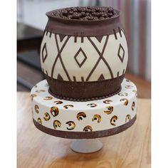 Wedding Cake Photos, Cool Wedding Cakes, Wedding Cake Toppers, Zulu Traditional Wedding, Traditional Cakes, Beaded Wedding Cake, Africa Cake, African Wedding Cakes, Different Cakes