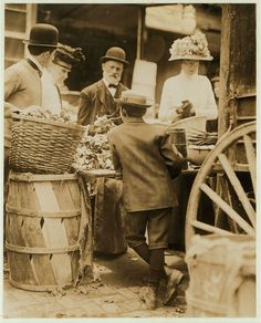 Young vendors at King Street Market, Wilmington, Delaware May 1910. Photo by Lewis Hine