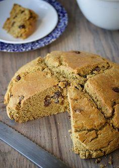 Irish Soda Bread - #vegan & #glutenfree @ Allyson Kramer