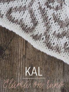 Elämä on runo - KAL -kirjoneulepeitto Novita 7 Veljestä Crochet Home, Knit Crochet, Kuta, Knitted Blankets, Animal Print Rug, Knitting Patterns, Yarns, Crocheting, Deco