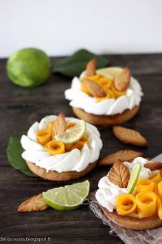 Déliacious : Tartelettes évasion : Curd de mangue et citron vert, chantilly coco et fleurs de mangue [véganes et sans le gluten dedans!]
