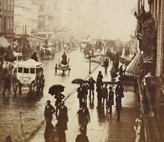 Broadway - New York, on a rainy day in 1870 Photo by E. Vintage New York, Westerns, Rhapsody In Blue, New York Pictures, Ny Ny, Vintage Photographs, Vintage Photos, Historical Pictures, Old Photos