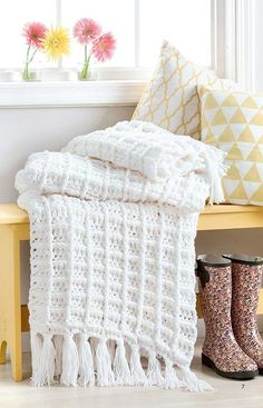 Easy Q-Hook Afghans from Leisure Arts presents six comforting afghans that are quick and easy to crochet using a jumbo hook and two strands of medium weight yarn. Whether for decorating, snuggling, or both, these versatile throws are sure to please. Crochet Afghans, Afghan Crochet Patterns, Baby Blanket Crochet, Crochet Blankets, Easy Crochet Projects, Crochet Ideas, Crochet For Beginners Blanket, Quick Crochet, Manta Crochet