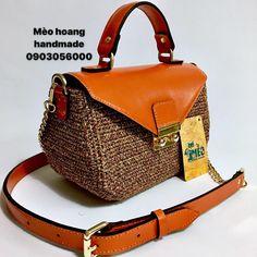 Crochet Clutch, Crochet Purses, Crochet Bags, Basket Bag, New Bag, Purses And Bags, Handbags, Classic, Leather