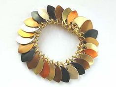 Scale Bracelet , Jewelry DIY  http://tech.beads.us/details-Scale-Bracelet-2401.html