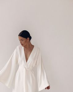 Simple white dresses are so sexy Look Fashion, Fashion Beauty, Womens Fashion, Insta Store, Foto Casual, Vestidos Vintage, Mode Inspiration, Dress Me Up, Prom Dress