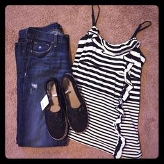 Elle black and white striped top Size small, adjustable straps, could fit medium too. excellent used condition. Cute ruffle detail ! Elle Tops Tank Tops