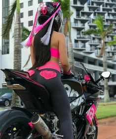 Exceptional custom motorcycles images are readily available on our internet site. Motorbike Girl, Motorcycle Bike, Motorbike Photos, Lady Biker, Biker Girl, Custom Sport Bikes, Hot Bikes, Biker Chick, Motorcycle Girls