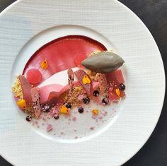 605 mentions J'aime, 3 commentaires - @_artonaplate_ sur Instagram : «Strawberry rhubarb crema • elderflower gelee • black sesame ice cream • by @pastrychefrobert  #food…»