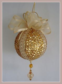 1 million+ Stunning Free Images to Use Anywhere Diy Quilted Christmas Ornaments, Victorian Christmas Decorations, Sequin Ornaments, Christmas Gift Decorations, Christmas Crafts For Gifts, Christmas Baubles, Diy Christmas Ornaments, Spring Wedding Decorations, Diy Y Manualidades