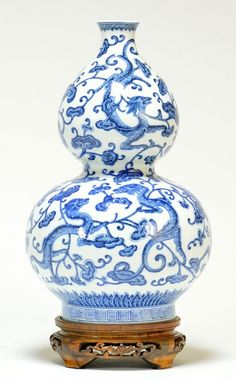 The blue and white vase superbly potted, the lower globular bulb supporting a smaller similarly shaped bulb, delicate. Japanese Porcelain, White Porcelain, Glass Ceramic, Ceramic Art, Porcelain Ceramics, White Ceramics, Blue And White Vase, Painted Vases, Asian Design