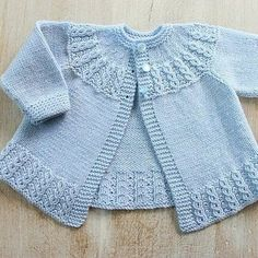 Ravelry: Blue Baby Jacket pattern by Florence Merlin Baby Knitting Patterns, Jumper Knitting Pattern, Jacket Pattern, Knitting For Kids, Baby Patterns, Baby Cardigan, Cardigan Bebe, Knit Baby Dress, Baby Pullover
