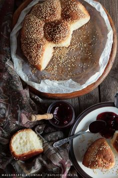 Avocado Hummus, Camembert Cheese, Pancakes, Bread, Breakfast, Morning Coffee, Brot, Pancake, Baking