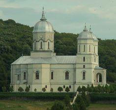 Manastirea Celic Dere Romania, Notre Dame, Taj Mahal, Mansions, House Styles, Building, Travel, Cots, Venice