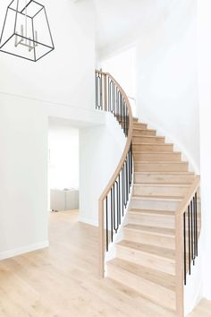 Curved Staircase, Staircase Design, Spiral Staircases, Stair Railing, Railings, Foyers, Modern Stairs, Built In Bench, Stairways