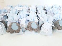Bomboniere bomboniere nascita bomboniere battesimo | Etsy Baby Shower Souvenirs, Baby Shower Favors, Baby Shower Gifts, Communion Favors, Baptism Favors, Baby Crafts, Felt Crafts, Baby Shawer, Chocolate Decorations
