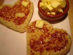 English-style Crumpets 375g bakers flour 1/2 tsp caster sugar 1 heaped tsp dried yeast about 300ml tepid milk 1 egg 1/2 tsp bicarb soda 4 egg rings