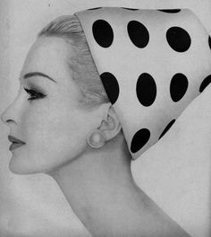 theniftyfifties:Model wearing a spotted hat for Vogue, 1959.