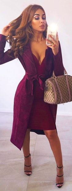 100f877e139  winter  outfits maroon dress with purple suede coat Maroon Dress Outfit