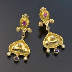 Zaffiro - earrings 22kt gold granulation sapphire diamond