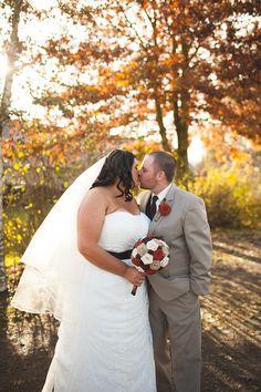 Gorgeous November fall autumn barn wedding close to Salem Oregon