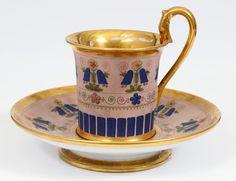 Šálek na čokoládu * růžový zlacený porcelán s malovanými modrými zvonky.