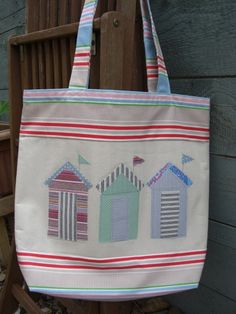 Oh now that is cute.  Beach hut beach bag.