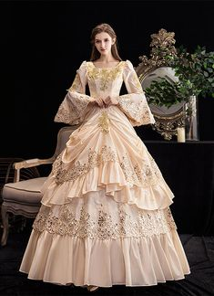 Victorian Dress Costume, Victorian Ball Gowns, Costume Dress, Gothic Victorian Dresses, Gown Dress, Old Fashion Dresses, Old Dresses, Pretty Dresses, Vestidos Vintage