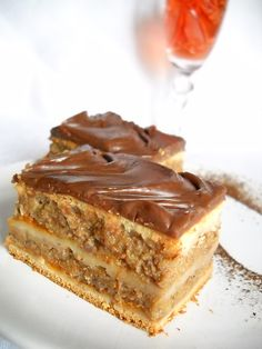 Romanian Desserts, Russian Desserts, Romanian Food, Romanian Recipes, No Bake Desserts, Just Desserts, Apple Deserts, Macedonian Food, Caramel Crunch