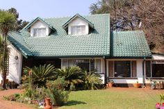 4.00 Bedroom/s, 2.50 Bathroom/s Property For Sale in CENTURION CLUBVIEW Real Estate Companies, Property For Sale, Cabin, Bathroom, House Styles, Home Decor, Washroom, Decoration Home, Room Decor
