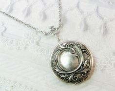 Silver Locket Necklace - Silver Victorian Romance Locket