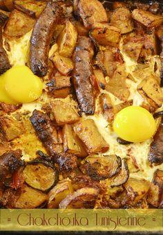 Chakchouka tunisienne merguez et oeuf Tunisian Food, Pasta, Turkish Recipes, Sausage, French Toast, Veggies, Meat, Cooking, Breakfast