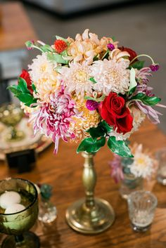 pretty centerpiece from the Big Fake wedding Raleigh show #trendybride {casey rose photography}