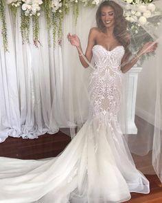 2,028 vind-ik-leuks, 22 reacties - Wedded Wonderland (@weddedwonderland) op Instagram: 'How breathtaking is this beautiful bride and that perfect smile! @sparklingwhitesmile transform…'