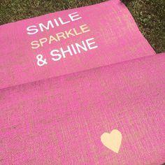 Smile, Sparkle & Shine  Handbemalte Jute Yogamatte von www.herzteil.de #yoga #yogamatten #yogalifestyle