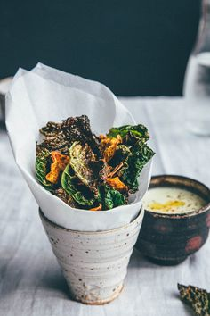 LOOKS TASTY! Spicy green cabbage and sweet potato Crisps / Slow Sunday: Crispin it!