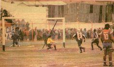 Waldir Anota sobre el final el gol de la victoria.