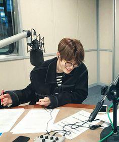 Jaehyun + glasses = perfect
