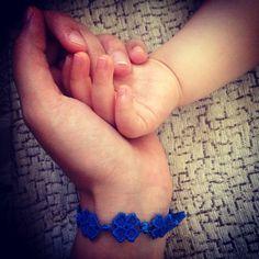 Essere madre: ovvero quando tuo figlio si fa un graffio e tu non capisci più niente!Ps: Come spesso accade l'inglese è più efficace nel descrivere una condizione, uno stato d'animo o un vissuto. Ne... http://nicolettafrasca.wordpress.com/2014/04/15/motherhood/