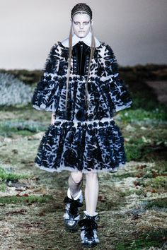 Alexander McQueen | Fall 2014 Ready-to-Wear Collection | Style.com#8