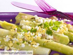 Poireaux vinaigrette mimosa facile : découvrez les recettes de Cuisine Actuelle Dressing, Risotto, Potato Salad, Entrees, Food And Drink, Health Fitness, Low Carb, Menu, Fruit