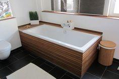 Badewannenverkleidung & Waschtisch mit Bootsparkett