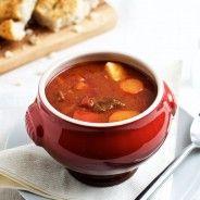 Forleden lavede jeg en stor portion ungarskgullashsuppe, som er en dejlig krydret og fyldig suppe baseret på paprika, for selvom vi nu skriver marts er det lidt som om, at vejrguderne ikke helt har forstået, at det rent faktisk officielt er forår.