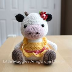 Etsy の Amigurumi Crochet Pattern Clementine Cow by littlemuggles