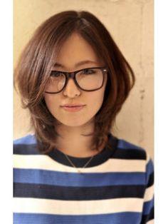 メガネ女子に似合うかわいい髪型集(眼鏡 ヘアカタログ ロング ショート 30代 - NAVER まとめ