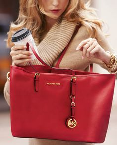 I love this Michael Kors bag.