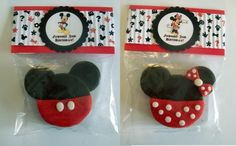 Minnie and Mickey cookies. I think this design is super cute and think it'd be fun to try making something similar. I would make red sugar cookies though, dip the top half in chocolate, and not have white polka dots on the bow. This links back to an Etsy shop