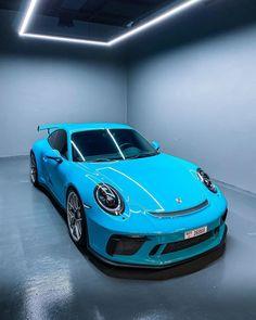 Black Porsche, Porsche 911 S, Super Sport Cars, Super Cars, Top Luxury Cars, Vw Passat, Hot Cars, Motor Car, Concept Cars